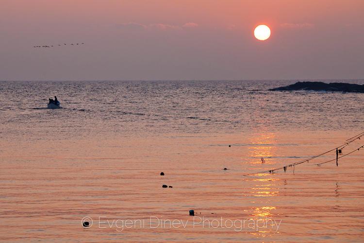 Рибари по изгрев