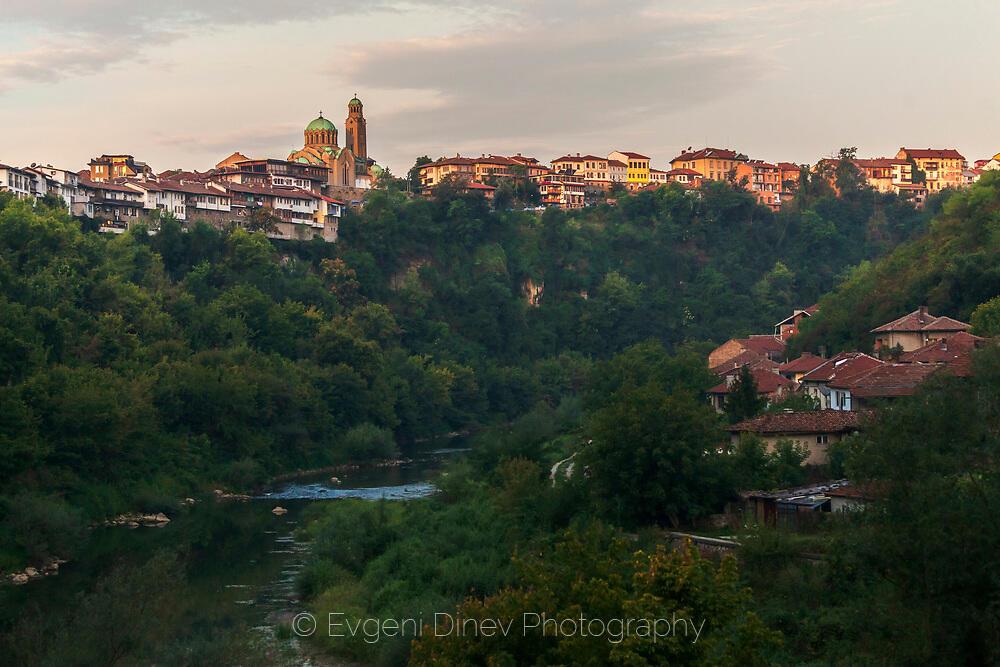 Лятно утро в Търново