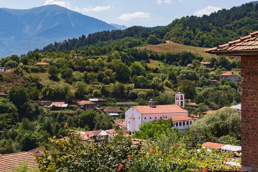 Село Тешово и неговата църква
