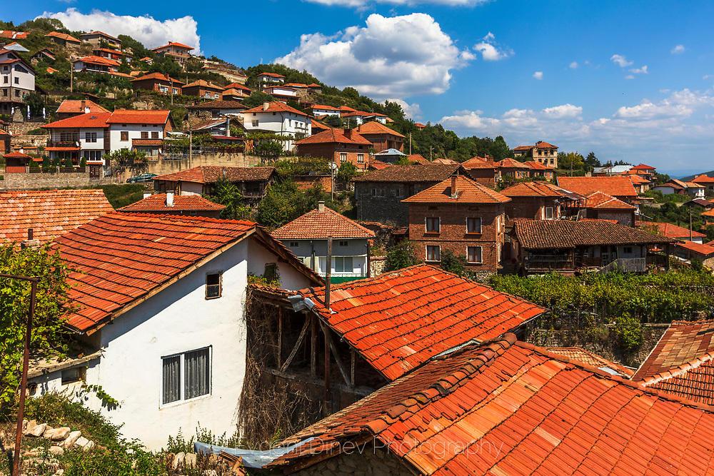 Село Тешово в полите на Пирин