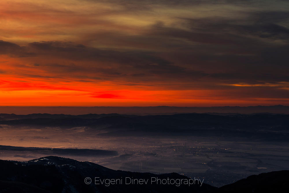 Фина мъгла над Тракийската низина