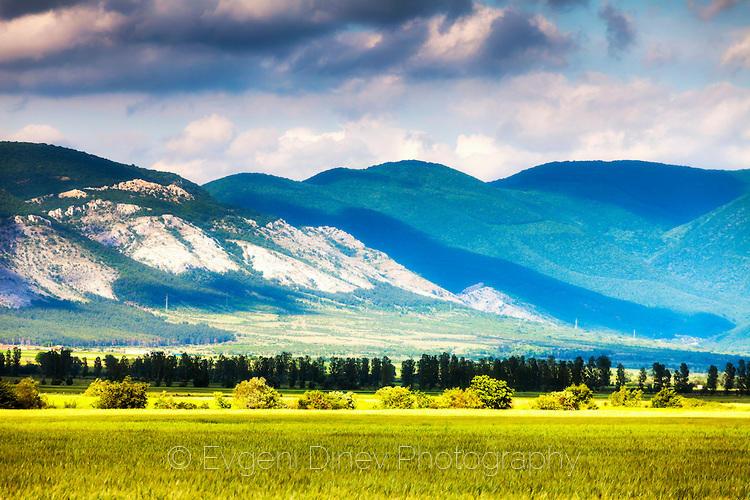 Пролетен пейзаж край Твърдица