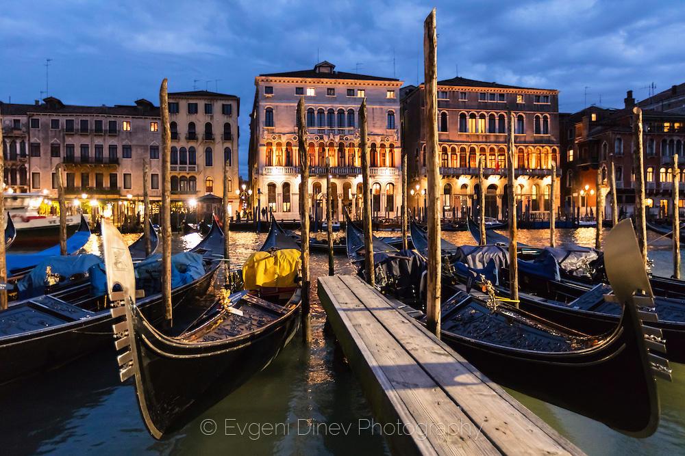 Венеция по здрач
