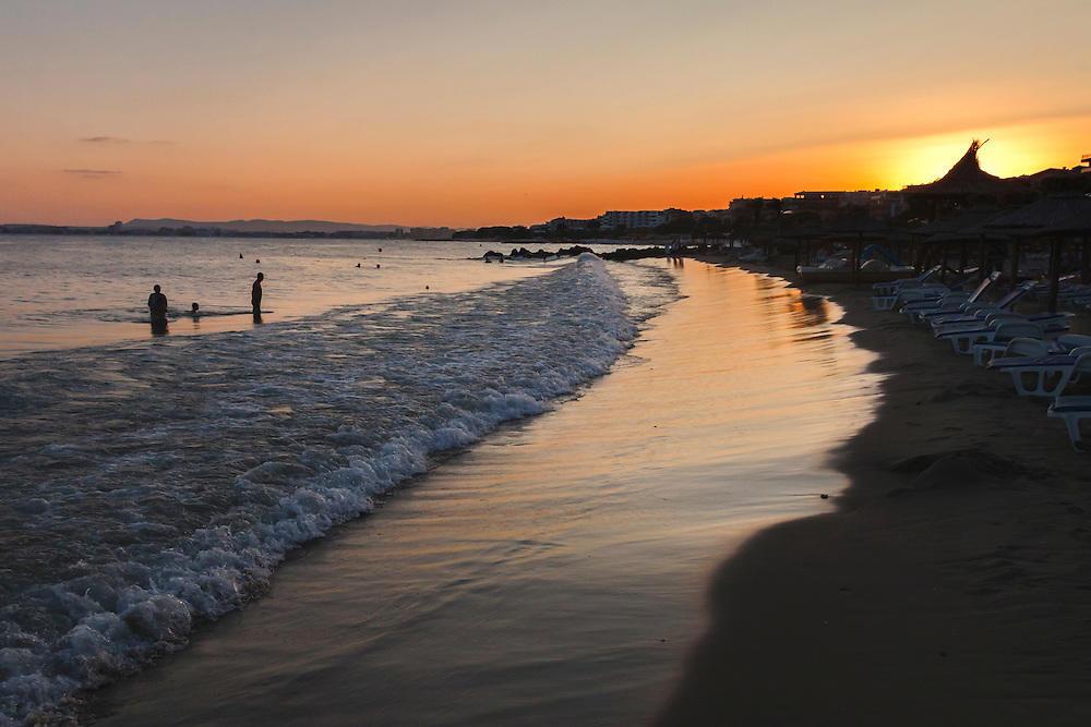 Плаж в Свети Влас по залез