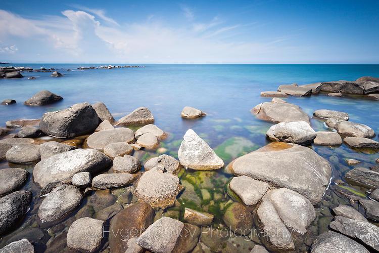 Морски пейзаж по пладне