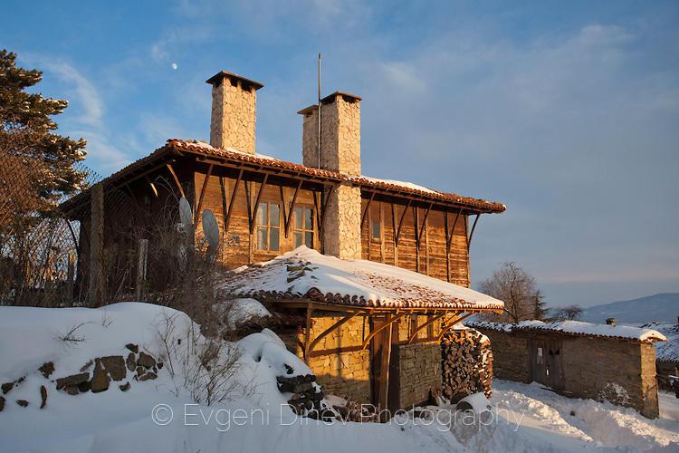 Къща с типична архитектура в Жеравна